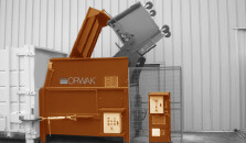P1000 compactor with binlifter